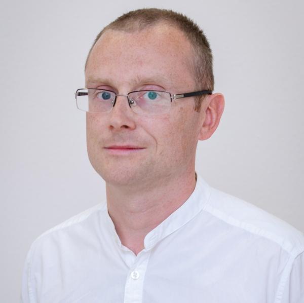 dr n. med. Łukasz Obołończyk